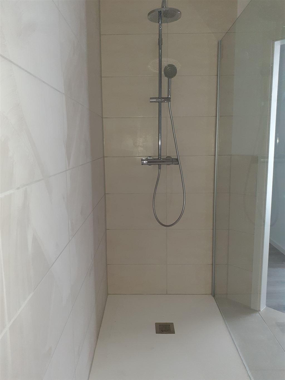 Dusche m. Glaswand