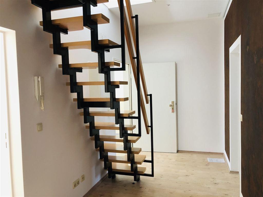 Flur mit Treppe